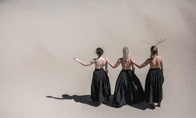 """Iš spektaklio-kelionės """"Laikas nė(e)rimui"""". Šeiko šokio teatras. Mato Baranausko nuotr."""