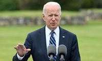 Baltieji rūmai: bendros J. Bideno ir V. Putino spaudos konferencijos nebus