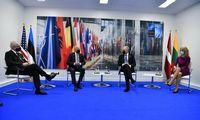 J. Bidenui perduotas prašymas rytiniame NATO flange dislokuoti daugiau pajėgų