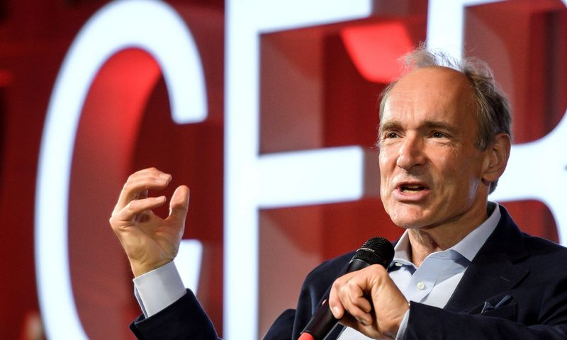 "Timas Berners-Lee. Fabrice Coffrini (""Pool"" / ""Reuters"" / ""Scanpix"") nuotr."