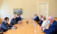Prezidentas su opozicija aptarė biudžeto korekciją, tiesioginius merų rinkimus