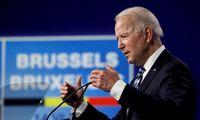 J. Bidenas prieš susitikimą su V. Putinu stengiasi sumažinti įtampą su ES