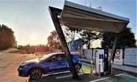 Seime skinasi kelią PVM lengvata elektromobiliams