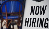 JAV naujų prašymų dėl nedarbo išmokų skaičius netikėtai ūgtelėjo
