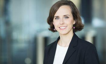 """""""Swedbank"""": lyčių atlyginimų skirtumus organizacijos turi stebėti nuolat"""
