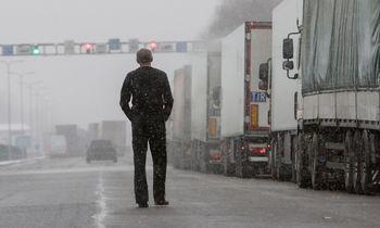 Savo šalyje uždaryti baltarusiai darbdavius Lietuvoje pasiekia ir per Rusiją