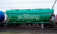 ES pirmadienį tarsis dėl sektorinių sankcijų Baltarusijai, apimančių ir trašų eksportą