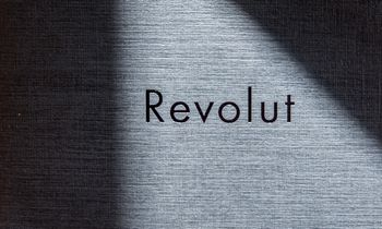 """""""Revolut"""" dairosiinvesticijų ir 20 mlrd. USD įverčio"""