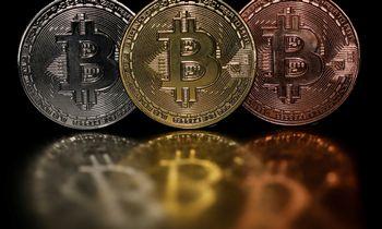 Rinkos trypčioja vietoje, bitkoinas išbarstė šių metų prieaugį