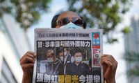 """Honkongo policija pagal naująjį saugumo įstatymą areštavo """"Apple Daily"""" skiltininką"""