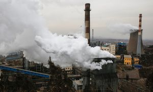 Kinijos pramonės augimą užblokavo žaliavų trūkumas, gamyklos stoja dėl elektros deficito