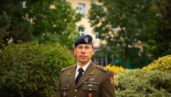 D. Palavenis. Ginkluotės ir karinės įrangos įsigijimo viražai Lietuvoje
