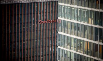 """Swedbank"" Lietuvoje uždirbo 18% mažiau"