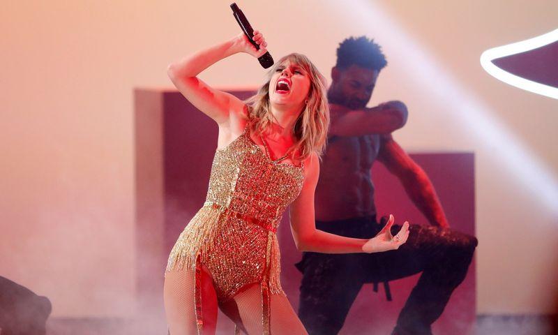"Taylor Swift, bendradarbiaujanti su ""Universal Music Group"". Mario Anzuoni (""Reuters"" / ""Scanpix"") nuotr."