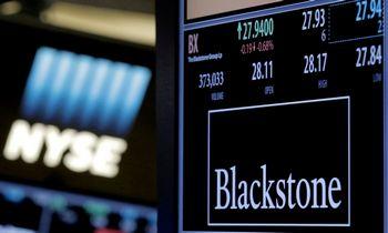 """""""Blackstone"""" ketvirčio pelnas pašoko daugiau kaip dukart"""