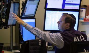 Infliacijos baubas atsitraukia, laukia lėtesnis ekonomikos augimas, jei tikėsime obligacijomis
