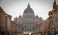 Teismo dėl sukčiavimo išvakarėse Vatikanas atskleidė informaciją apie valdomą NT