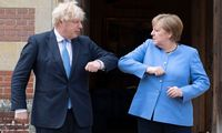 """Pasiūlymas, su kuriuo negali sutikti: JK imasi šantažo dėl """"Brexit"""" susitarimo"""