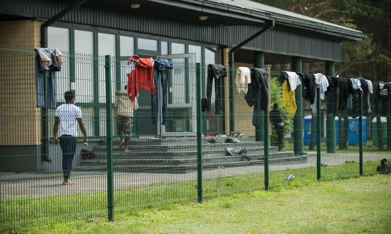 """Migrantai Druskininkų pasienio užkardoje. Arno Strumilos (""""15min.lt/""""Scanpix"""") nuotr."""