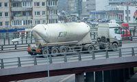 """""""Akmenės cemento"""" nuostoliai patirti dėl atidėjimų taršos leidimams"""
