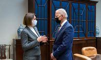 Baltuosiuose rūmuose J. Bidenas priėmė Baltarusijos opozicijos lyderę