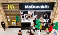 """""""McDonald's"""" pajamos balandžio–birželio mėnesiais išaugo 57%"""