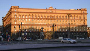 """Rusų žurnalistinių tyrimų tinklapio """"The Insider"""" redaktoriaus namuose atliekama krata"""