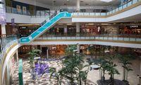 Klientų srautas prekybos centruosekritęs, bet pardavimai auga