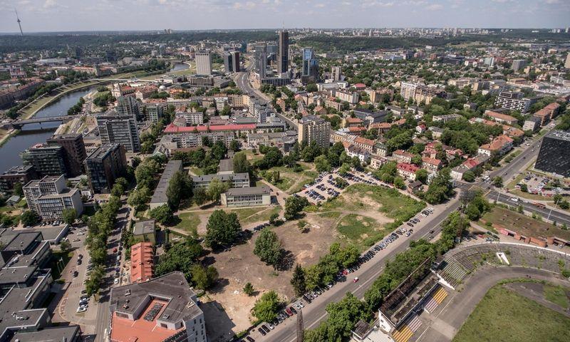 """""""Kapitel"""" ir """"Merko statybos"""" sklypai Ceikinių gatvėje 2016 m., prie """"Maskvos namų"""" ir dar nenugriauto """"Žalgirio"""" stadiono. Vladimiro Ivanovo (VŽ) nuotr."""