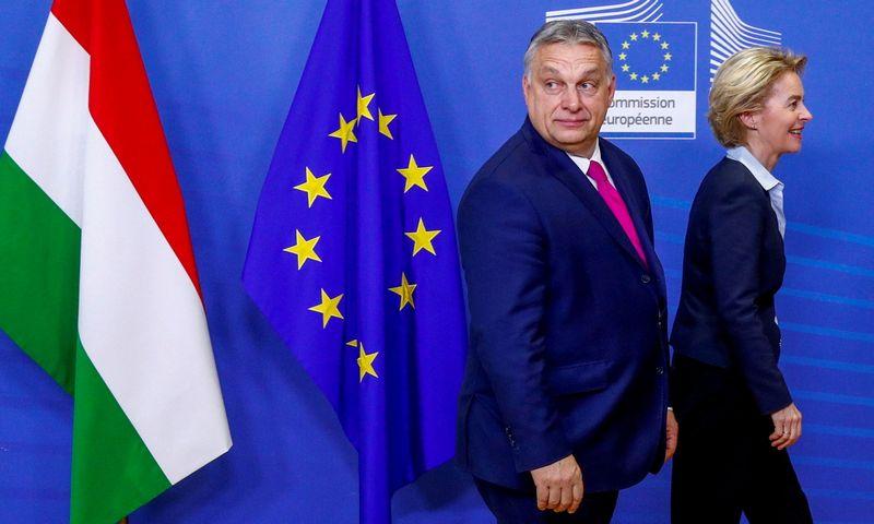 "Viktoras Orbanas, Vengrijos premjeras, ir Ursula von der Leyen, Europos Komisijos pirmininkė. Francois Lenoiro (""Reuters"" / ""Scanpix"") nuotr."