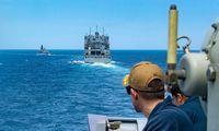 Prie Omano užpultas tanklaivis vėl kontroliuojamas įgulos ir plaukia lydimas JAV pajėgų