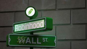 """Nuviliantis """"Robinhood"""" debiutas biržoje"""