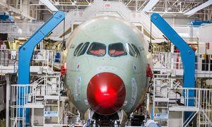Lėktuvų gamintojai vėl skaičiuoja pelną