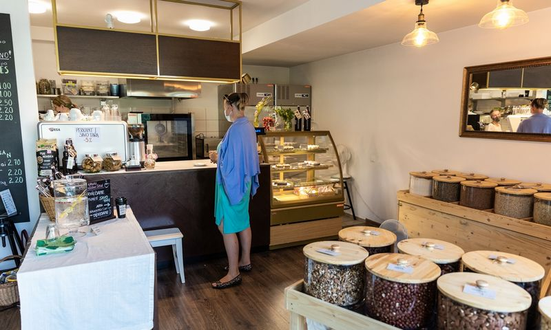 """Kavinė ir parduotuvė """"Žaliuomenė"""". Viktorijos Fedirko nuotr."""