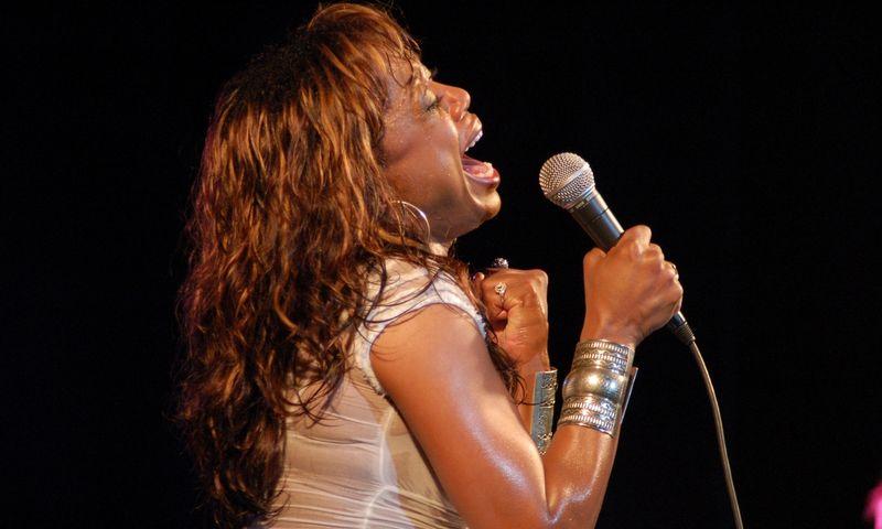 """Vokalistė Eve Cornelious (JAV) festivalyje """"Nida Jazz Maratonas 2007"""". Aušros Barysienės (VŽ) nuotr."""