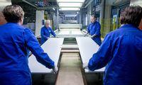 Europos fabrikai ūžia, bet signalai iš Azijos optimizmo neįpučia