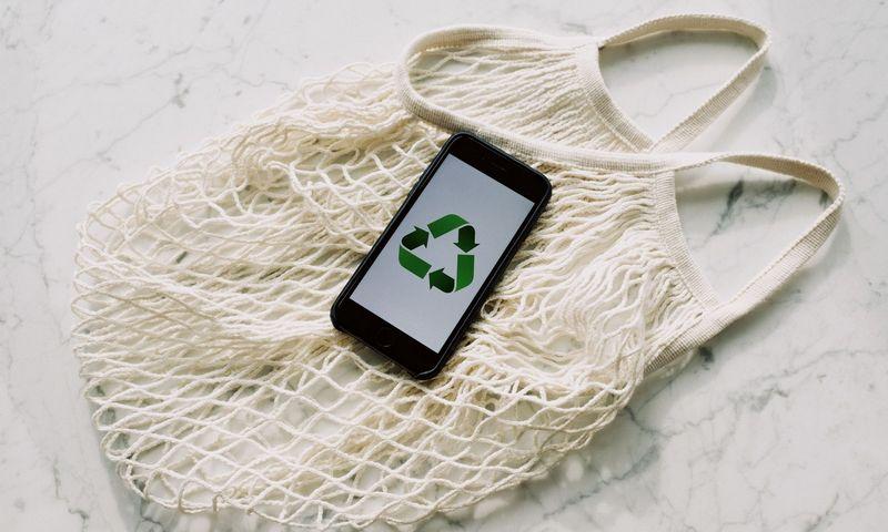 Įvairių apklausų duomenimis, bent 6 iš 10 vartotojų sutiktų keisti pirkimo įpročius, jei tai padėtų sumažinti neigiamą poveikį aplinkai.