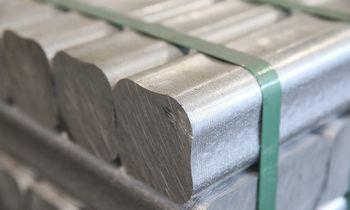 Aliuminio kainos priartėjo prie daugiau kaip trejų metų aukštumų