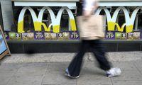 """Dėl tiekimo problemų """"McDonald's"""" daugelyje JK regionų nustojo prekiauti pieno kokteiliais"""