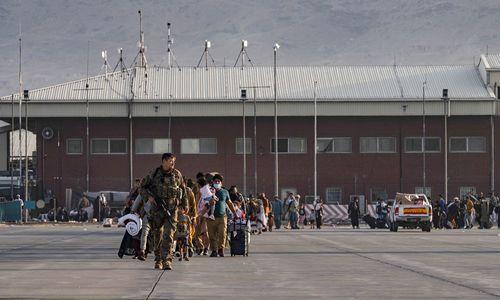 NATO ėmėsi koordinuoti žmonių evakuaciją iš Kabulo