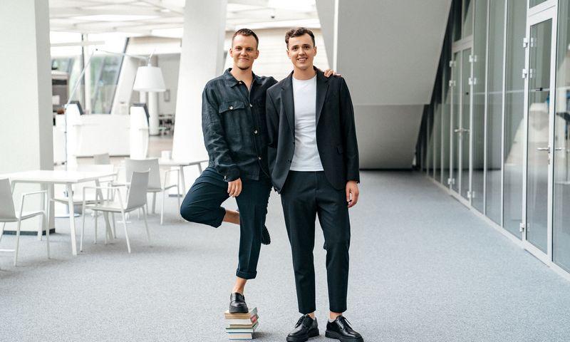 """""""Memby"""" įkūrėjai Silvestras Stonkus (kairėje) ir Eimantas Bekėža. Bendrovės nuotr."""