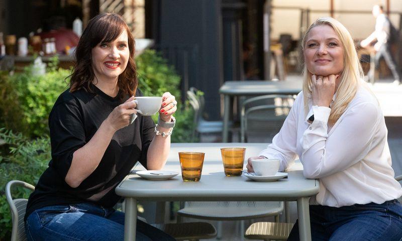 """Ieva Vaičiūnaitė ir Jurgita Viltrakienė, gastronomijos konsultacijų agentūros """"Kitchen Rules"""" įkūrėjos. Vladimiro Ivanovo (VŽ) nuotr."""
