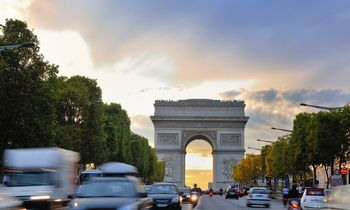 Paryžiuje automobilių greitis ribojamas iki 30 km / val.