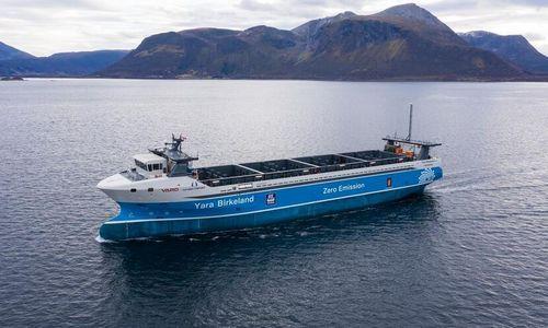 Laivai be įgulų jau leidžiami į vandenį, jiems žadama šimtamilijardinė rinka