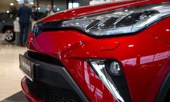 Estijojeprekyba naujais automobiliais auga trečdaliu