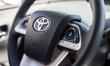 """""""Toyota"""" iki 2030 metų į elektromobilių baterijų gamybą investuos 13,6 mlrd. USD"""