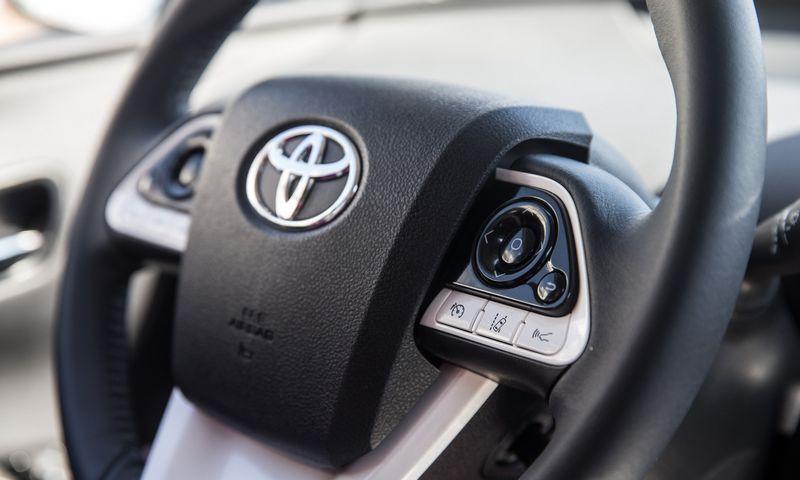 """Hibridinis automobilis """"Toyota Prius"""". Juditos Grigelytės (VŽ) nuotr."""
