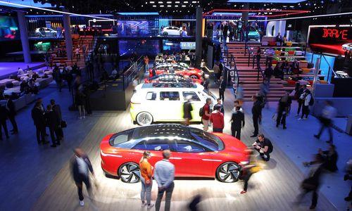 Didžiausioje automobilių parodoje– lietuviškas desantas