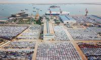 Kinijoje automobilių pardavimai rugpjūtį mažėjo trečią mėnesį iš eilės