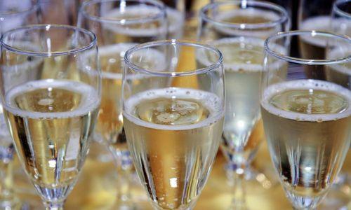 Prancūzijos šampano gamintojai atnaujins eksportą į Rusiją